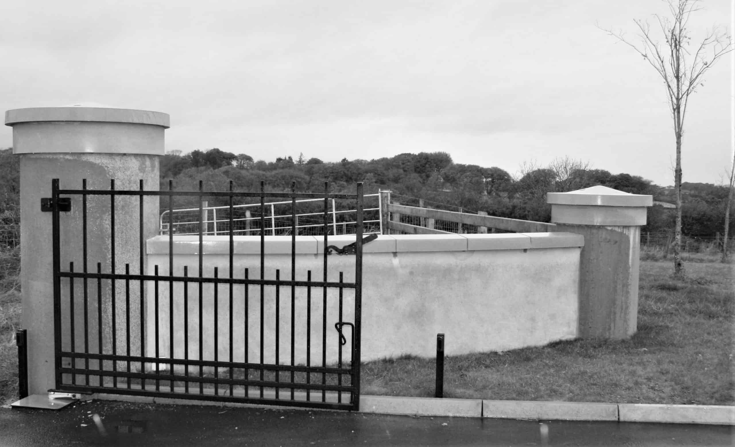 Killmartin - Entrance Peirs