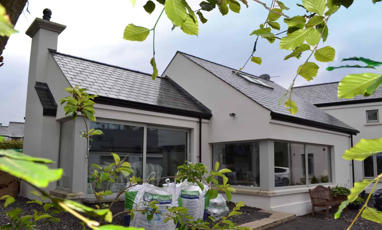 Fleming Dwelling - Feature Coner Window & Aluminium Lift & Slide Doors