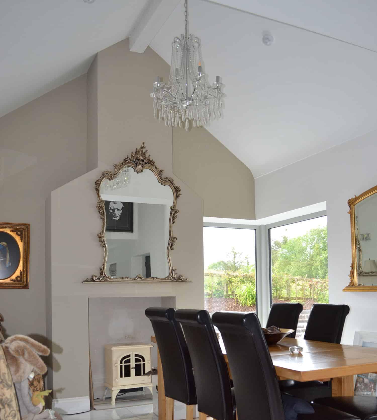 Fleming Dwelling - Snug Room With Vaulted Ceiling & Corner Window